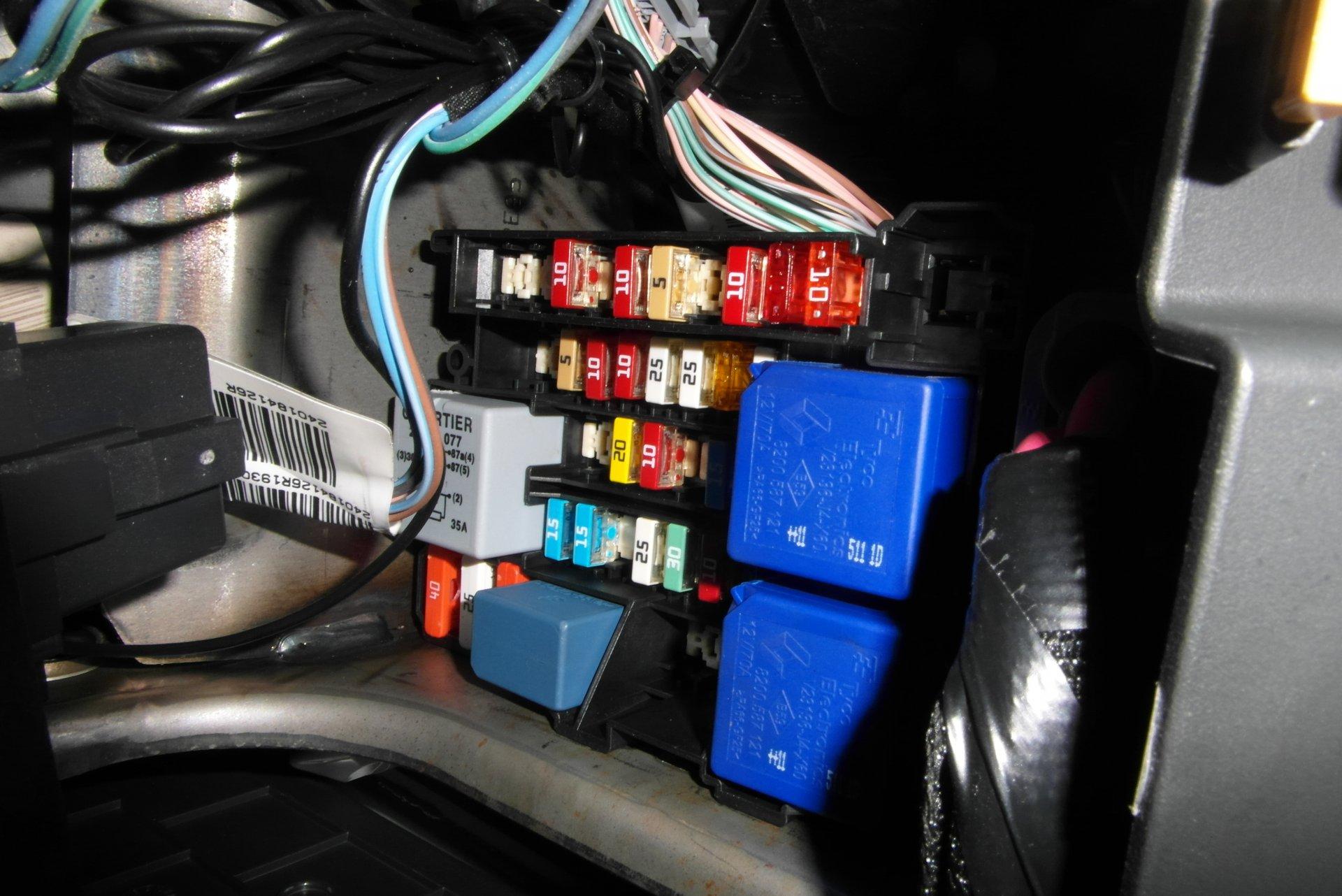 Belegungsplan Sicherungskasten Motorraum